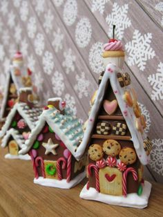 Polymer clay gingerbread houses are awesome