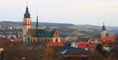 Tauberbischofsheim (Baden-Württemberg): Tauberbischofsheim ist die Kreisstadt des Main-Tauber-Kreises im fränkisch geprägten Nordosten Baden-Württembergs. Sie ist Mittelzentrum in der Region Heilbronn-Franken.