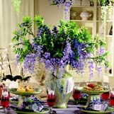 Sandra Lee - A Wisteria Wish Tablescape (I hate to admit it but, I love Sandra Lee's ideas) Sandra Lee Tablescapes, Table Place Settings, Party Themes, Party Ideas, Party Fun, Second Weddings, Good Wife, Centre Pieces, Table Decorations
