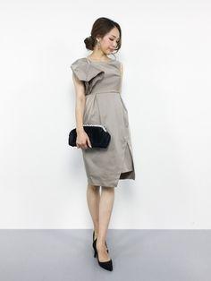 ワンピ―スはただいまセールで40%OFFです。 胸元の飾りは、商品画像ほど目立たず、ほどよいア Dress Skirt, Style Me, Party Dress, Dresses For Work, One Piece, Gowns, Blouse, Casual, Skirts