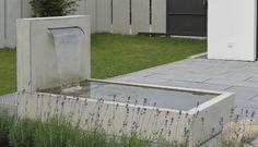 METTEN Brunnen, Wasserspiele: Wasserfall-Brunnen Sichtbeton grau, glatt
