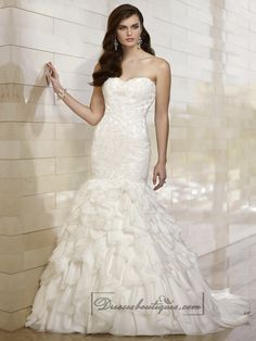 Strapless Sweetheart Lace Appliques Bodice Wedding Dresses with Textured Skirt