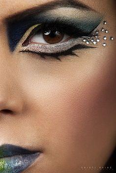 Eye makeup looks real techniques ideas for 2019 – Makeup Techniques Nose – Freckle Dance Makeup, Makeup Art, Beauty Makeup, Fairy Makeup, Mermaid Makeup, Makeup Ideas, Halloween Eyes, Halloween Eye Makeup, Real Techniques Brushes