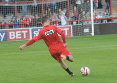 Morecambe's Jack Redshaw was named best League 2 player at the North West Football Awards on Monday night.