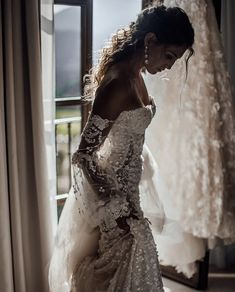 Wedding Gown Taking in those precious moments before Lace Wedding Dress, Dream Wedding Dresses, Bridal Dresses, Wedding Gowns, Dream Dress, Perfect Wedding, Summer Wedding, Beautiful Dresses, Marie