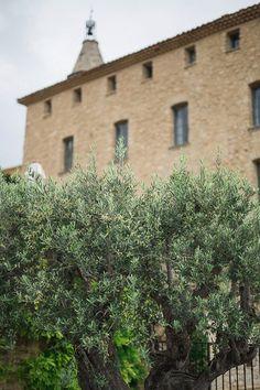 "Provence wedding venue | Image by Sylvain Bouzat |  ❥""Hobby&Decor"" | Inspirações em Decor! | #hobbydecorr #wedding"