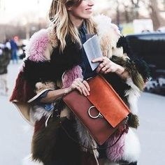 Tres chic look from Paris Fashion Week Fall/Winter 2015 Street Style PFW Veronika Heilbrunner Chloe Fur Coat Aquazzura Shoes Street Look, Street Chic, Street Wear, Looks Style, Looks Cool, Style Me, Style Hair, Moda Outfits, Outfits Mujer