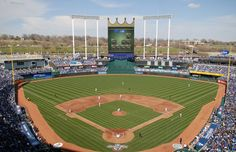 1973 KANSAS CITY ROYALS kauffman stadium at 37 years old is the sixth oldest ballpark in the . Kc Royals Baseball, Baseball Park, Baseball Season, Sports Stadium, Stadium Tour, Kansas City Missouri, Kansas City Royals, Kauffman Stadium, Viajes