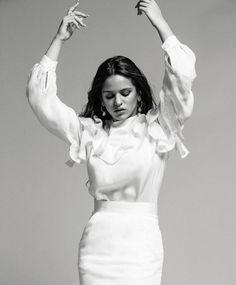 Divas, Female Singers, Famous Women, Woman Crush, Music Artists, Role Models, Style Icons, Mini Skirts, Photoshoot