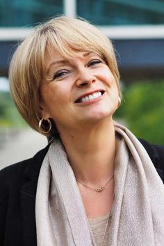 15 Simple Short Hairstyles for Women Over 50 Haircuts For Fine Hair, Cute Hairstyles For Short Hair, Short Hair Cuts For Women, Short Hair Styles, Edgy Short Haircuts, Scene Hairstyles, Fashion For Women Over 40, Cute Shorts, Pixie Haircut