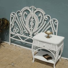 King Sweetheart Headboard - cheap but crazy shipping Old Wicker, White Wicker, Cane Furniture, Rattan Furniture, Furniture Ideas, University Rooms, Shabby Chic Accessories, New Room, Entryway Tables