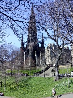 Scottish monument  at princess gardens
