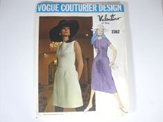 Vogue Couturier Design Valentino of Italy Pattern 2362 Size 12