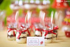 Detalhe mesa doces festa Capuchinho Vermelho/ Little Red Riding Hood Sweet table detail