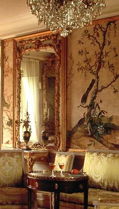 French Interiors, World Of Interiors, Beautiful Interiors, Beautiful Homes, Chinoiserie, Interior Decorating, Interior Design, French Furniture, Parlour