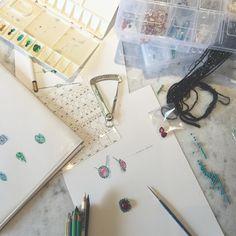Hoje é dia de #ociocriativo  #jewellery #jewelyaddict #gem #pecaunica #diamante #jewelrydesign
