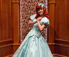 15 Rules That Disneyland Employees Must Live By