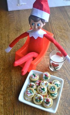 Elf cookies in 20 minutes start to finish. After making these, you will want ALL of your Christmas cookies to be mini! Christmas Hacks, Christmas Goodies, Christmas Elf, Christmas Deserts, Christmas 2017, Christmas Traditions, Christmas Recipes, Christmas Crafts, Elf On The Self