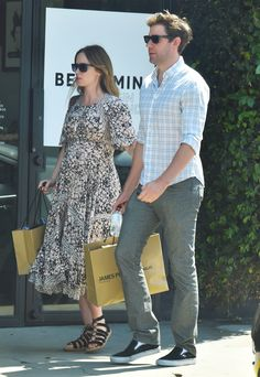 Emily Blunt Camouflages Her Baby Bump During Shopping Date with John Krasinski from InStyle.com