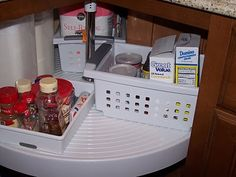 How to Organize a Lazy Susan Cabinet-I probably need this more than I think!