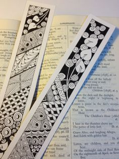 Zentangle Bookmarks by feistycarin Doodle Drawing, Tangle Doodle, Tangle Art, Zentangle Drawings, Doodles Zentangles, Zen Doodle, Doodle Art, Doodle Patterns, Zentangle Patterns