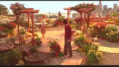 love the movie, love the apartment in the movie, LOVE the rooftop garden (just wish there was more clear picture of it)