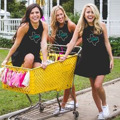 Of course am in love with this Zeta dress by Revelry! Go check out the gorgeous outfits they have available for your chapter's recruitment!