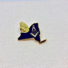 Mason New State Lapel Pin / Vintage Masonic Pin / Rare Masonic Etsy Vintage, Vintage Items, Masonic Jewelry, Grand Lodge, Eastern Star, Under The Lights, Summer Jewelry, Vintage Vogue, Lapel Pins