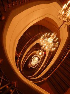 ロシア・ボリショイ劇場の螺旋