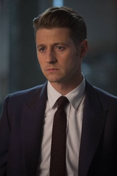 Ben McKenzie in Gotham Avatar 3d, Jim Gordon Gotham, Ben Mckenzie Gotham, Benjamin Mckenzie, Anthony Carrigan, Michael Chiklis, Sean Pertwee, Dc Comic Costumes, Jessica Lucas