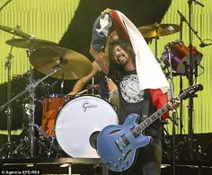 Foo Fighters' Dave Grohl turns a Chilean crowd's enthusiastic chant into a new song