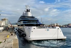 Big Yachts, Luxury Yachts, Burgess Yachts, Monaco Yacht Show, Pipe Dream, Steam Room, Yacht Boat, Rich Life, Motor Yacht