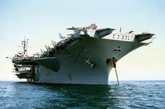 USS America low view of stbd bow - USS America - Wikipedia, the… Uss America, Us Battleships, Navy Carriers, Navy Aircraft Carrier, Go Navy, Us Navy Ships, Naval History, Us Marine Corps, Flight Deck