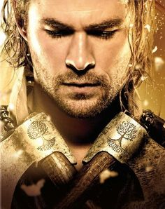 Buy The Huntsman: Winter's War (Includes Version) - Zavvi Exclusive Limited Edition Steelbook (Limited to 2000 Copies) from Zavvi, the home of pop culture. Take advantage of great prices on Blu-ray, merchandise, games, clothing and more! Chris Hemsworth Thor, Chris Hemsworth Movies, Rob Brydon, Charlize Theron, Jessica Chastain, Nick Frost, Huntsman Movie, Snowwhite And The Huntsman, Hemsworth Brothers