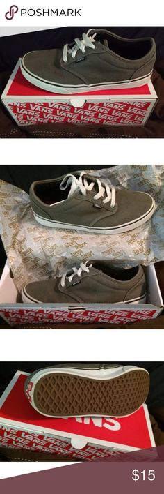 Vans gray/white skateboarding shoes Sz 7 unisex This is a gently used pair of VANS shoes - they are a size 7 (apx 10.5in) See pics 👟!!! Shoes still have lots of life! They are in good condition & have recently been rain/stain guarded!!  Come in VANS box (not original box) Color & size corrected on box.  ****Note the VANS listed are Sz. 7 and are Gray/White**** Vans Shoes Sneakers