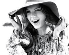 Taylor Swift <3 (Black & White)