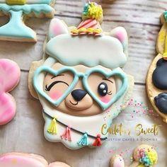 Iced Cookies, Cut Out Cookies, Cute Cookies, Yummy Cookies, Cupcake Cookies, Sugar Cookies, Cupcakes, Birthday Cookies, Cookie Designs
