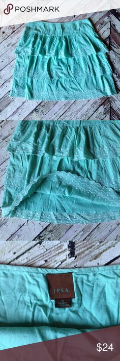 Anthropologie ipsa skirt🌷 Mint green tiered detail and lined skirt. 16 inches across waist and 20 inches length Anthropologie Skirts Midi