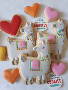 'No Drama Llama' * * * Llama tell you how excited I am about this gal. Cookie cutter by Twice upon a Time Cookies from… Girl Birthday Themes, Birthday Treats, 6th Birthday Parties, Birthday Cookies, Happy Birthday, Heart Cookies, Cute Cookies, Yummy Cookies, Sugar Cookies
