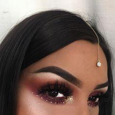 Festival makeup indian girl makeup, girls makeup, indian makeup looks Beauty Festival, Music Festival Makeup, Festival Makeup Glitter, Indian Girl Makeup, Indian Bridal Makeup, Girls Makeup, Makeup Tutorial Eyeliner, Eyeshadow Makeup, Makeup Tutorials