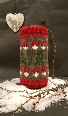 Tennbrikettskjuler jul | Strikkoteket Christmas Feeling, Knit Crochet, Cool Stuff, Knitting, Crafts, Ideas, Threading, Christmas, Breien