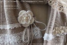 手編みのミニコサージュ♪ (編み図あり)の作り方|編み物|編み物・手芸・ソーイング|作品カテゴリ|ハンドメイド、手作り作品の作り方ならアトリエ