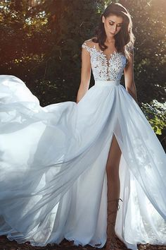 NEW! Graceful Tulle & Chiffon Jewel Neckline A-line Wedding Dress With Lace Appliques & Slit