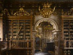 Duas bibliotecas portuguesas entre as mais belas do mundo. A Biblioteca Joanina da Universidade de Coimbra e a Biblioteca do Palácio Nacional de Mafra estão entre as mais belas do mundo, segundo um livro intitulado «The Library: A World History», da autoria de James Campbell.