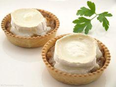 Tartaletas de cebolla caramelizada con queso de cabra - MisThermorecetas.com