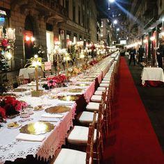 Dolce & Gabbana Shut Down a Major Street in Milan to Host a Seated Dinner Party After Their Runway Show - Vogue Al Fresco Dinner, Fashion Portfolio Layout, Sicily Wedding, Elegant Dinner Party, Corporate Fashion, Corporate Events, Kids Fashion Boy, Deco Table, Women's Summer Fashion