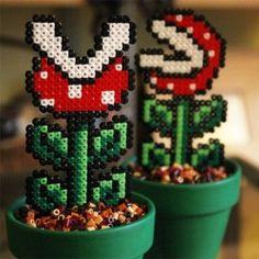 Plantes décoratives Mario Bross en plastique Video Game Shelf, Video Game Decor, Video Game Rooms, Hama Beads Mario, Perler Beads, Fuse Beads, Cool Games, Small Game Rooms, Geek Perler