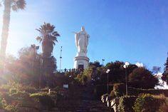 la virgen arriba en el cerro san Cristobal en santiago de chile