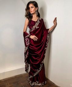 Taking orders ❤️ Order in any colour For price and details inbox us Shipping worldwide Desi Wedding Dresses, Pakistani Wedding Outfits, Indian Bridal Outfits, Indian Bridal Fashion, Wedding Hijab, Wedding Bridesmaids, Indian Fashion Dresses, Dress Indian Style, Indian Designer Outfits
