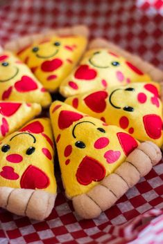 """""""Love You to Pizzas"""" Valentine's Day Pizza Party 